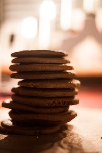 Public domain image. This is my idea of a reasonable serving of ginger snaps.